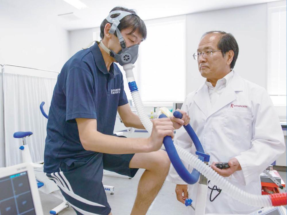 Изуми Табата проводит исследования