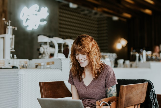 Статистика свидетельствует о том, что более 85% женщин находятся в сети Интернет, именно на сайтах онлайн-знакомств, для того, чтобы найти мужчину, с которым можно создать семью