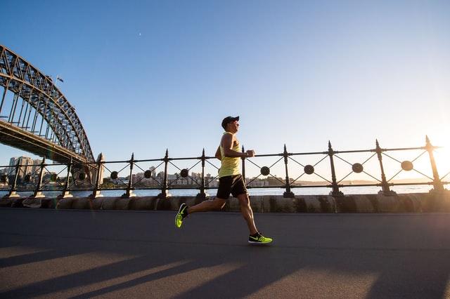 В последнее время споров о значении бега для здоровья становится всё больше и больше