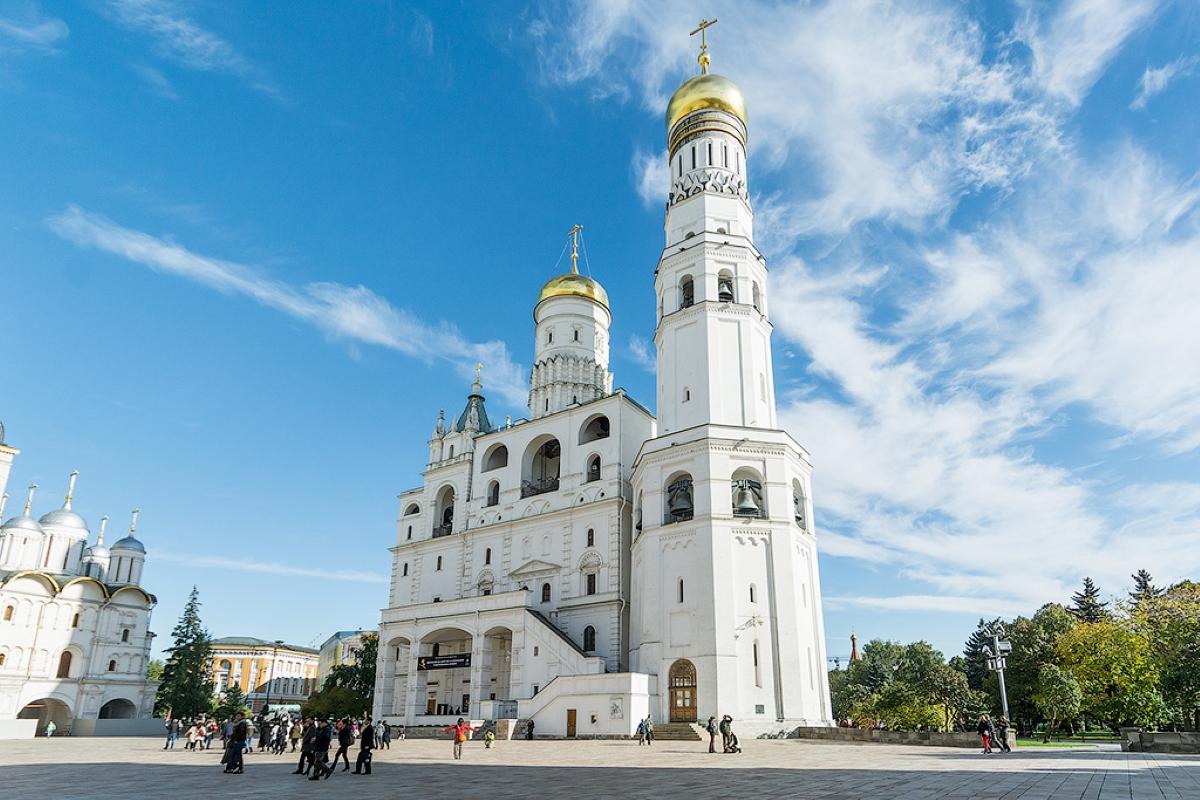 Колокольня Ивана Великого Московского – самое высокое строение в Кремле