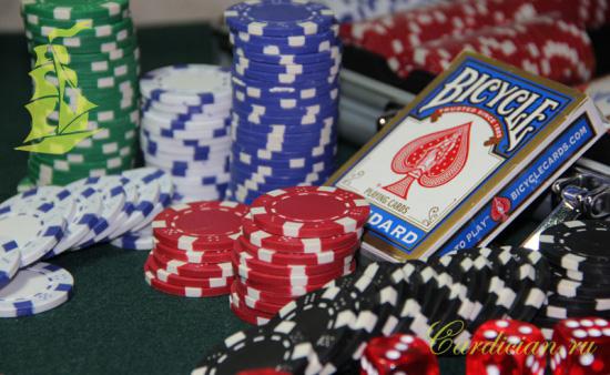 Набор для игры в покер – отличный подарок, чтобы тренировать невозмутимость