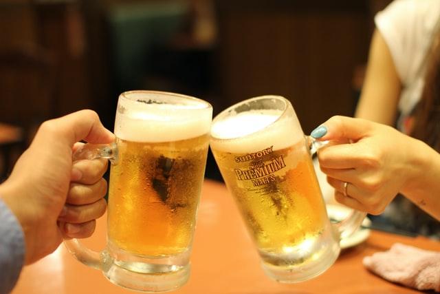 Поклонников пенного уже не удивить нефильтрованным или фильтрованным, темным или светлым пивом