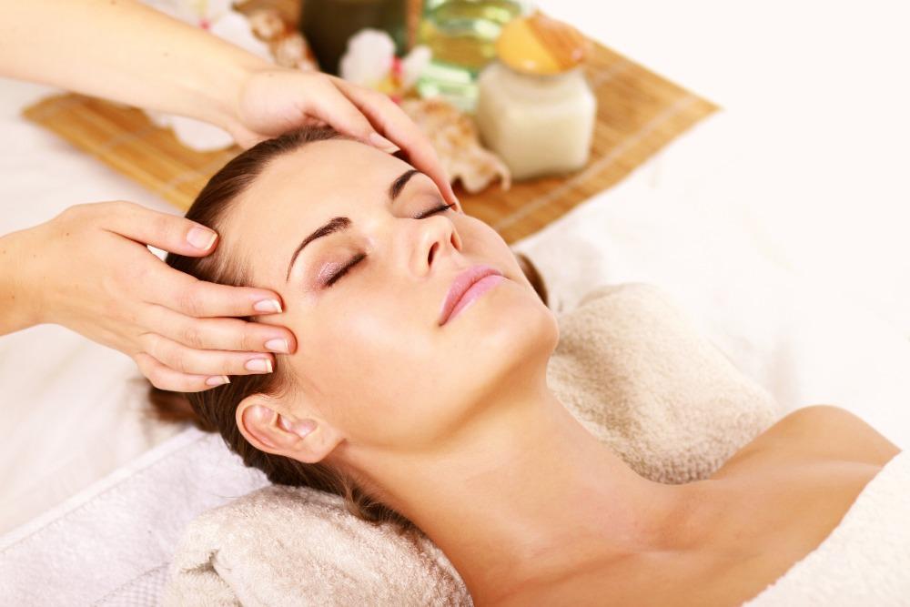 Еще один огромный плюс массажа головы в том, что он является отличной профилактикой мигрени