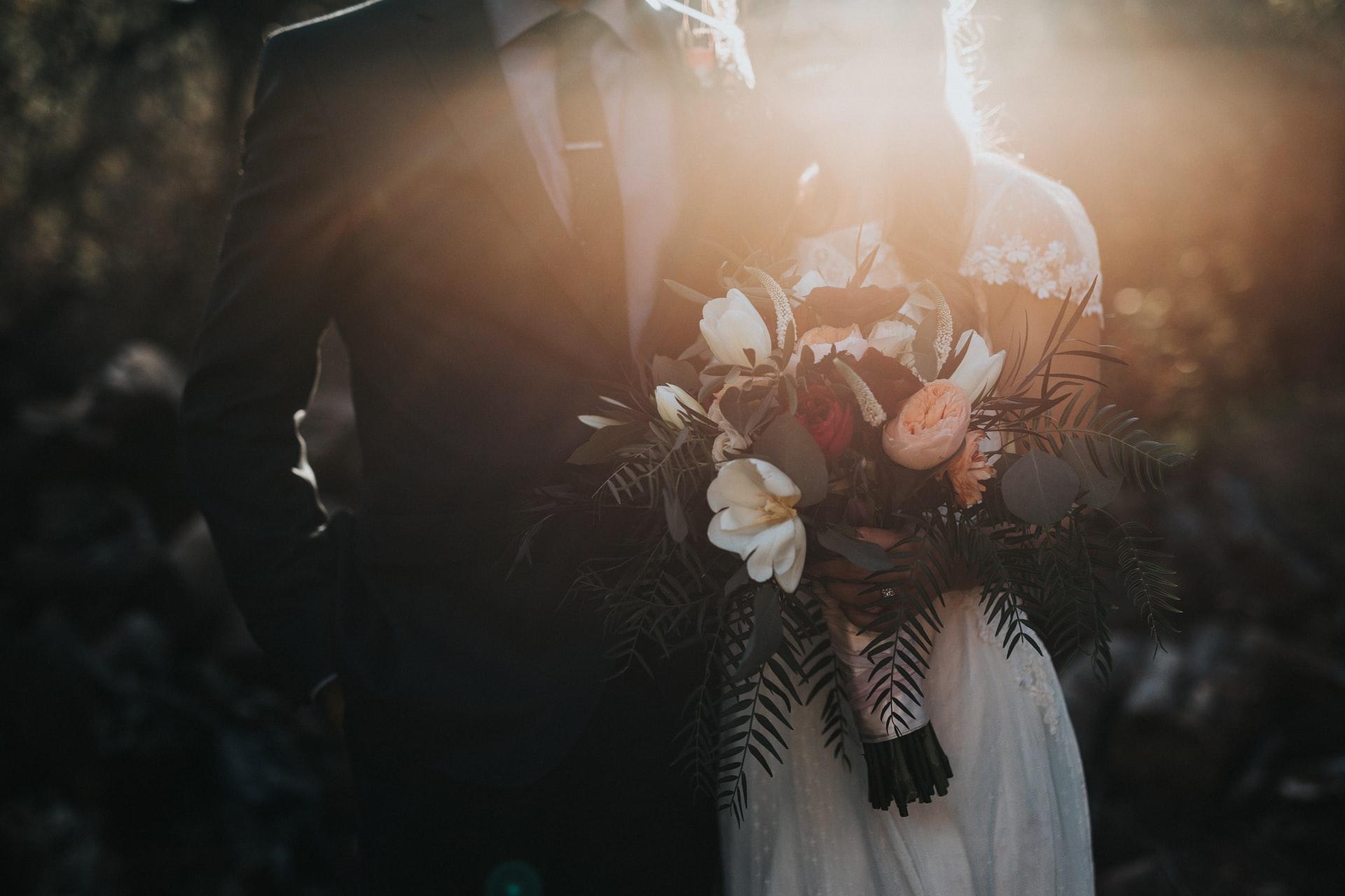 Медиа закрепляет идею о стремлении женщин выскочить замуж и поскорее