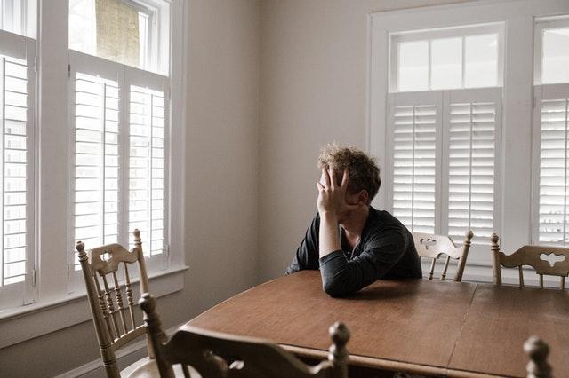 Говорить на такую серьезную тему, как психическое здоровье, может быть непросто, поскольку никому не нравится чувствовать себя уязвимым