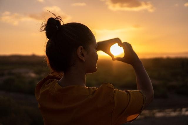 Иногда жизнь бывает настолько непредсказуемой, что даже в ситуациях, когда тебе кажется, что у вас прекрасные и счастливые отношения сегодня, завтра они могут внезапно закончиться
