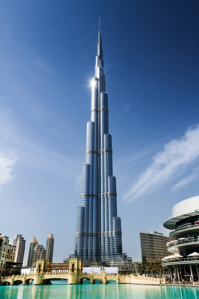 Сегодня это самое высокое здание на планете и, разумеется, высочайшее сооружение в истории человечества