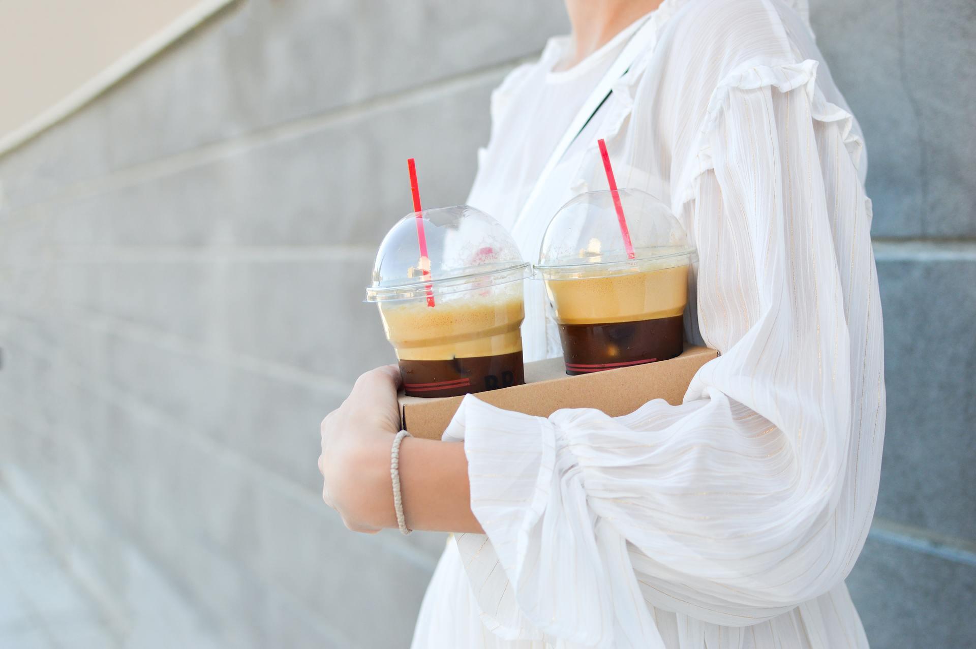 Кофе по утрам, перед работой и во время обеда стал привычкой