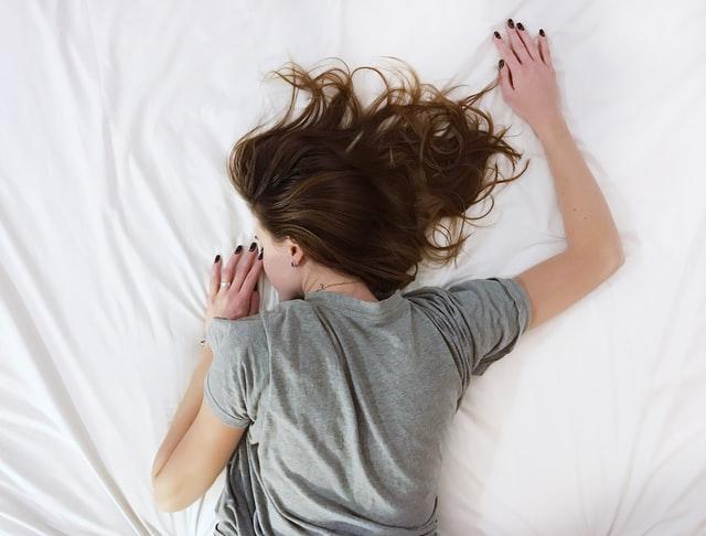 Напомним одну простую истину: чтобы хорошо себя чувствовать, необходим здоровый и регулярный сон